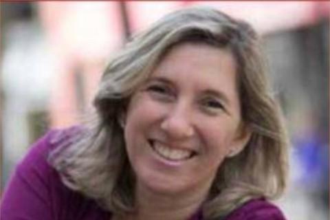 mujer sonriente cabello rubio historia que contar Myrna Vaisberg